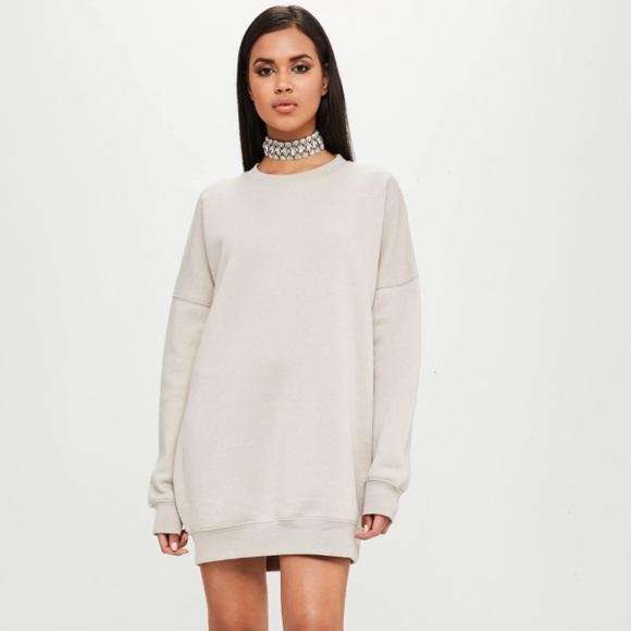7b4e936b3e6 ... Missguided oversized sweater dress. M 5a7b3cd546aa7cc91d7c9ec1